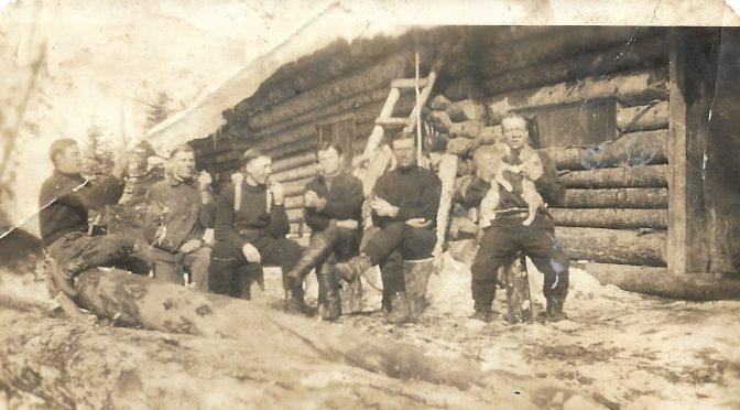 Nivalan miehiä Kanadan maatalous- ja metsätyömailla 1930-luvulla