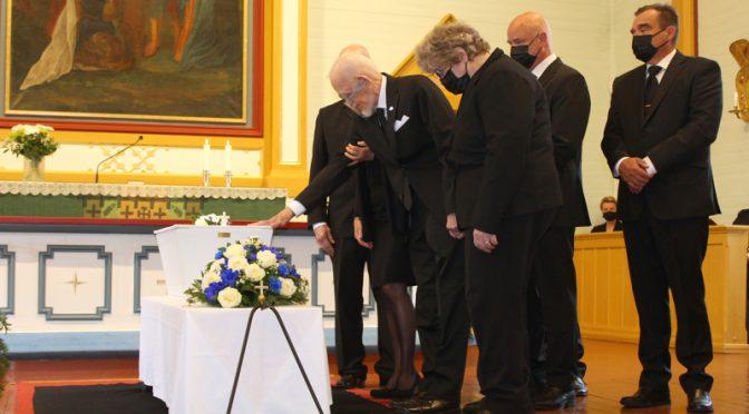 Isäni, Aate Matias Hautamäen siunaustilaisuus 21.8.2021, Nivalassa